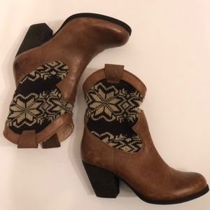 Gianna Bini/BROWN LEATHER SWEATER KNIT ANKLE BOOTS